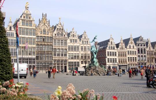 belgie_-_antwerpen_-_centrum_112422941